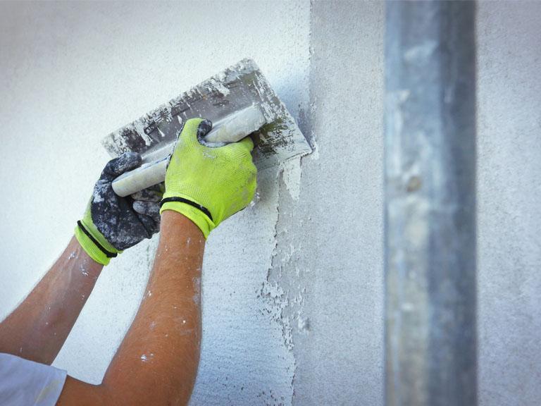Praca przy ścianie